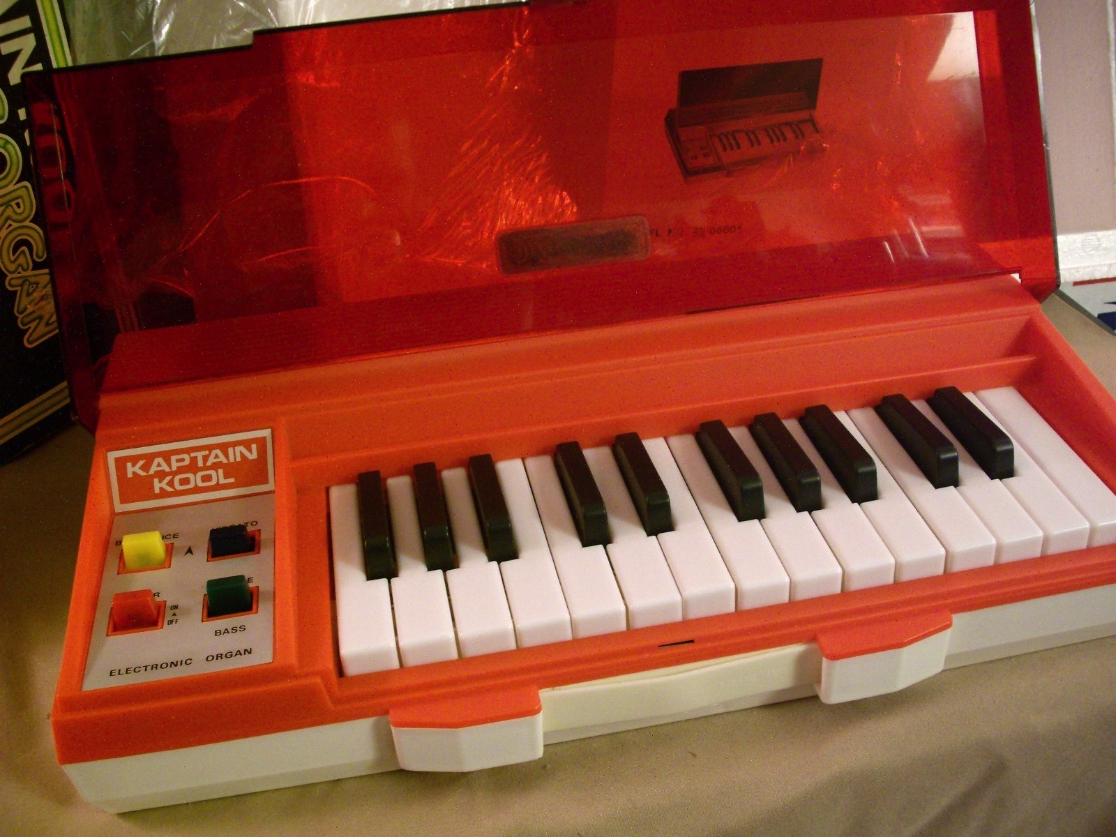 Kaptian Kool and the Kongs Electronic Organ