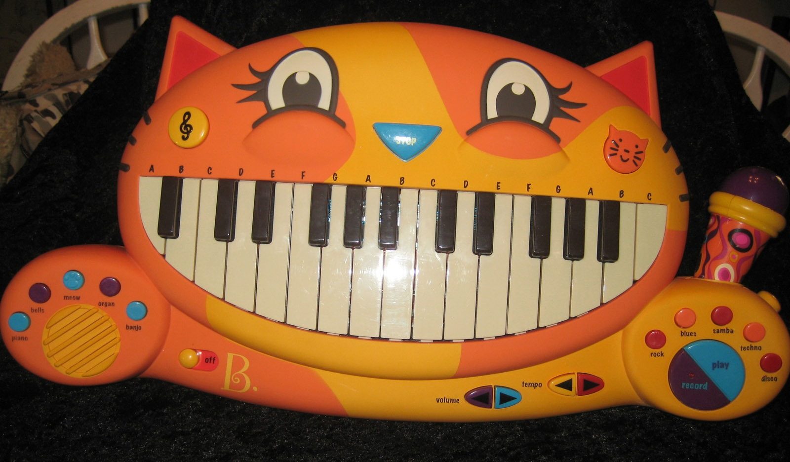 MEOWSIC MUSICAL INSTRUMENT CAT BY DOODLEDO CREATIONS