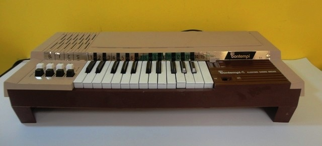 VINTAGE BONTEMPI B4 ELECTRIC CHORD ORGAN