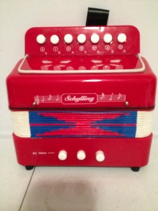 VINTAGE STYLE TOY SCHYLLING ACCORDIAN