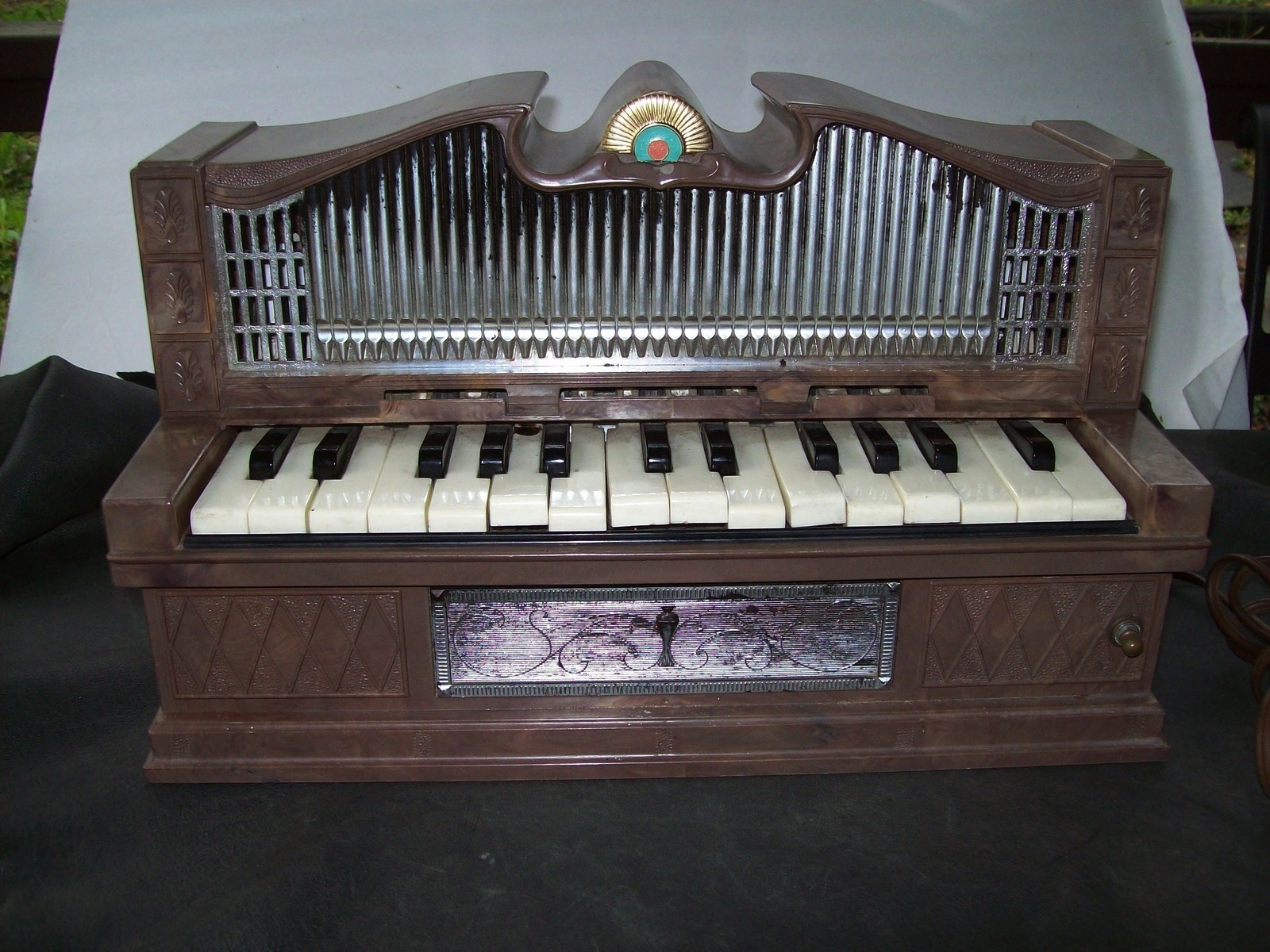 Vintage ELECTRIC Plastic GOLDEN PIPE ORGAN Childrens Mini Toy