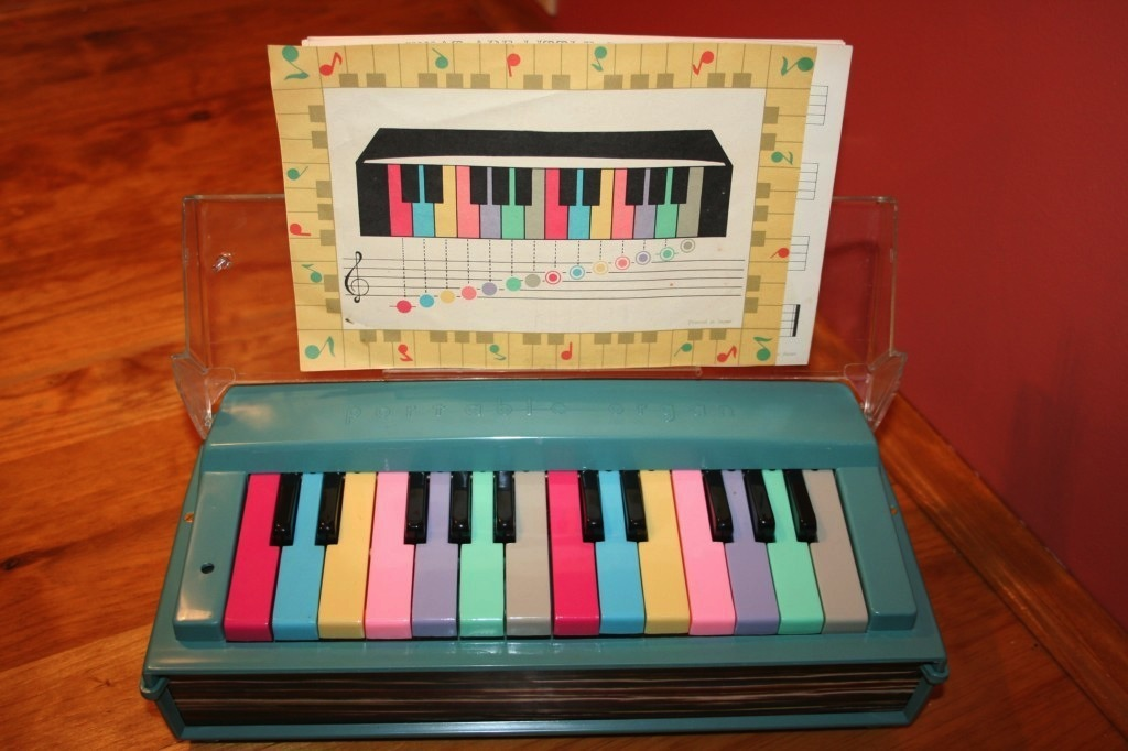 Vintage Rosko Portable Kids Organ from 1950s