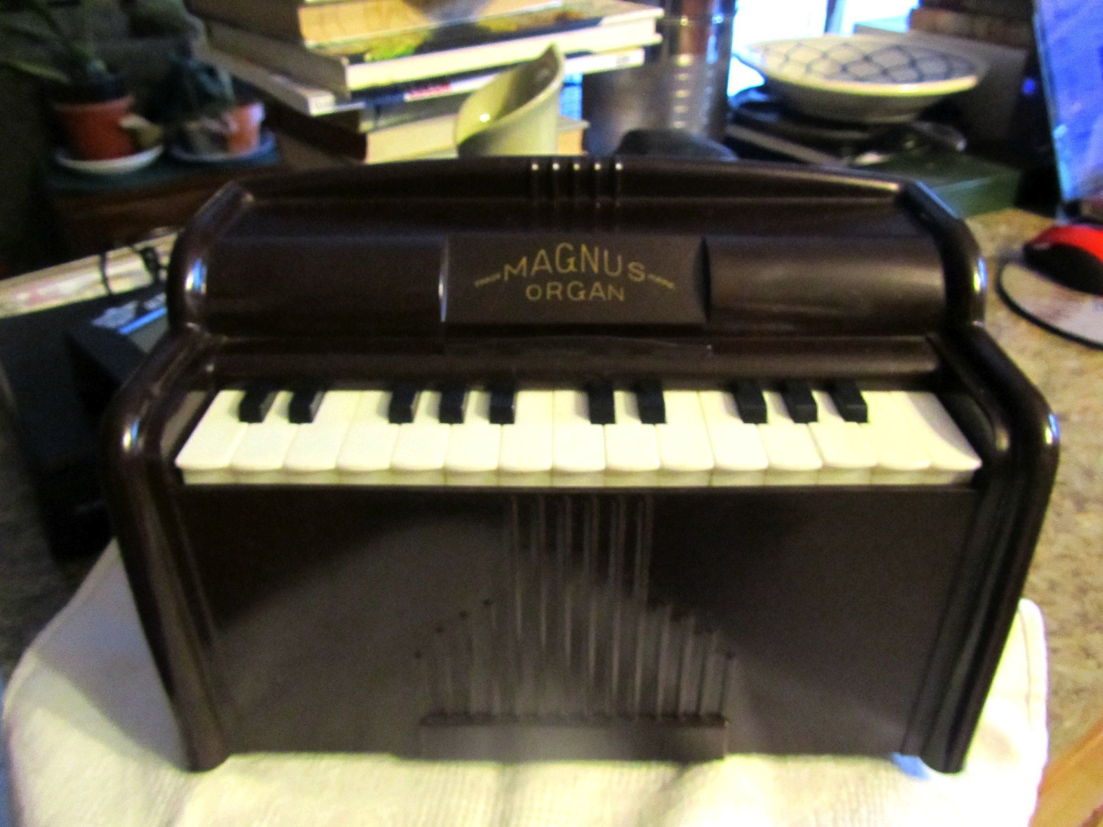 Vintage Toy Magnus Organ Model 1510